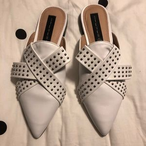 Steve Madden pointy Toe flats fits more like an 8.